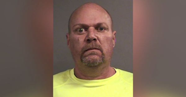 ARIZONA TAXIDERMIST ARRESTED FOR STUFFING HIS DEAD WIFE AND KEEPING HER ON A COUCH IN HIS LIVING ROOM