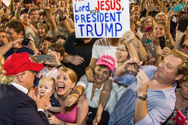 5 Reasons The Religious Right Loves Donald Trump